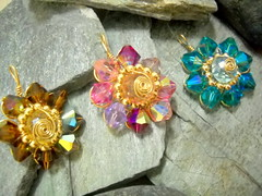 flower pendants (y2k_maria) Tags: sparkles wire jewelry sparkle swarovski goldfill crysals
