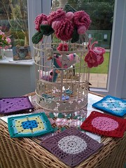 PLEASE VISIT suesfavouritethings.blogspot.com 28/1/10. Karin aan de haak sent me these beautiful squares this morning.