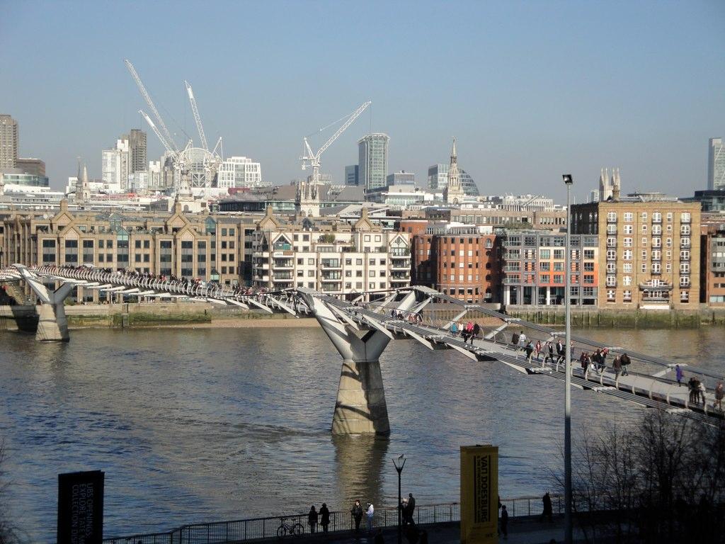 LONDON - 389