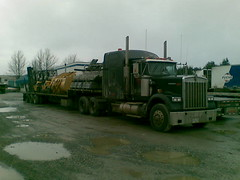 02072010(012) (lowston) Tags: kw kenworth w900 stepdeck canadiantruck broncotransport