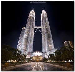 chrome twins (acidsulfurik) Tags: glow chrome malaysia symmetric twintowers kualalumpur kl klcc leadinglines symmetri kualalumpurcitycenter impressedbeauty vertorama acidsulfurik