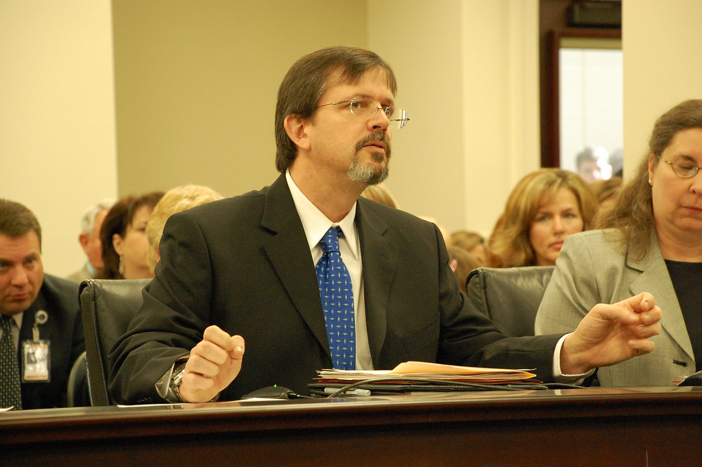 Dr. Michael Hendrix testifying before the House Health and Welfare Committee