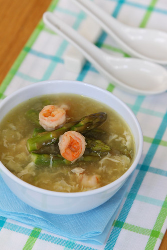 Asparagus and prawn egg-drop soup
