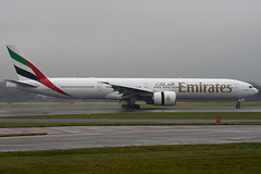 A6-EBL - 32709 - Emirates - Boeing 777-31HER - Manchester - 081126 - Steven Gray - IMG_2760