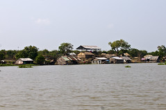 Houses (tatlmt) Tags: river boats boat cambodia floatingvillages
