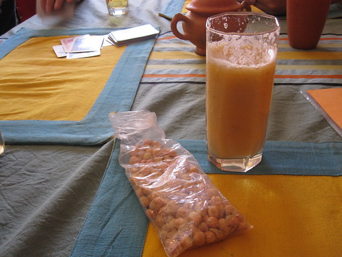 Roasted Chickpeas and Smoothie