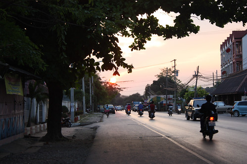 Sun setting in Ayutthaya