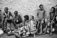Family resting at the market (ingetje tadros) Tags: africa portrait face painting close body african south makeup tribal tribes afrika ethiopia tribe ethnic tribo ethnology omo thiopien etiopia ethiopie etiopa loweromovalley  etiopija ethnie ethiopi  etiopien etipia  etiyopya     hamartribe