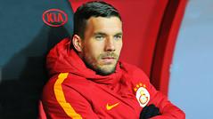 Podolski'den G.Saray'a mesaj! 'Neden olmasın...' (habervideotv) Tags: gsaraya mesaj neden olmasın podolskiden