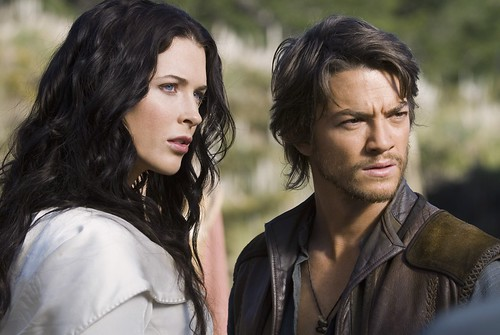 Kahlan (Bridget Regan) and Richard (Craig Horner)