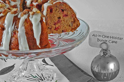 close up holiday bundt_bl and wh.jpg