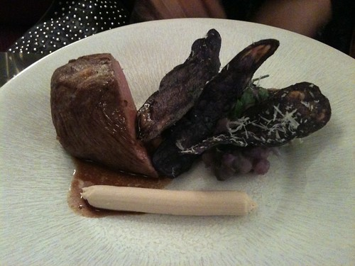 Thoumieux: Quasi de veau + écrasée de vitelottes