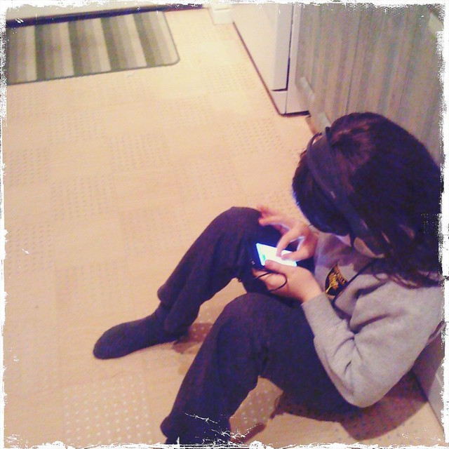 211209_ Hipstamatic_ Miriam with Olly's iPhone & my headphones (355/365)
