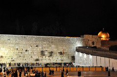 Al Aqsa Mosque and the Western Wall (yuyu418) Tags: stone wall israel jerusalem tunnel mosque foundation holy holyland westernwall excavation alaqsa kingdavid kotel alaqsamosque harod secondtemple westerntunnel firsttemple