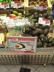HASSvocado (mkorsakov) Tags: city strange sign fruit avocado schild wtf frucht münster supermarkt hass seltsameprodukte rewe