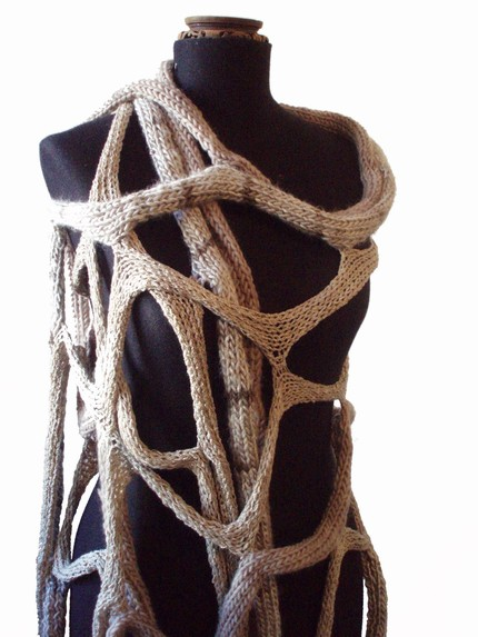 Las Lopez knit cable scarf at Etsy 3