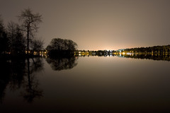 Symmetric (Timo Erkkil) Tags: seattle travel reflection night canon landscape island rebel long exposure raw sigma greenlake toned 1020 xsi 450d timoerkkil timoerkkila