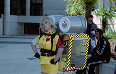 IMG_0050 (Fernando Lenis) Tags: 35mm photos cosplay cannon fernando megacon hellsing 2010 lenis