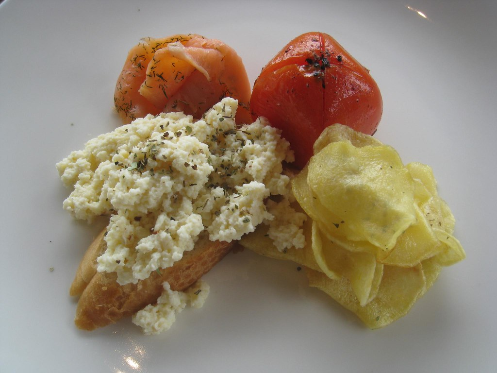 Our last breakfast: scrambled eggs on bread with salmon, tomato, and potatoes.