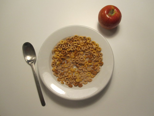 cheerios, apple