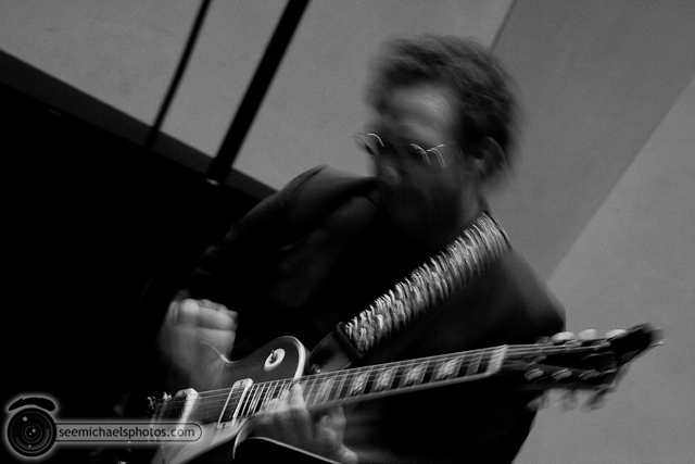 Anthony Wilson Trio at Neurosciences Institute 41410 © Michael Klayman-028