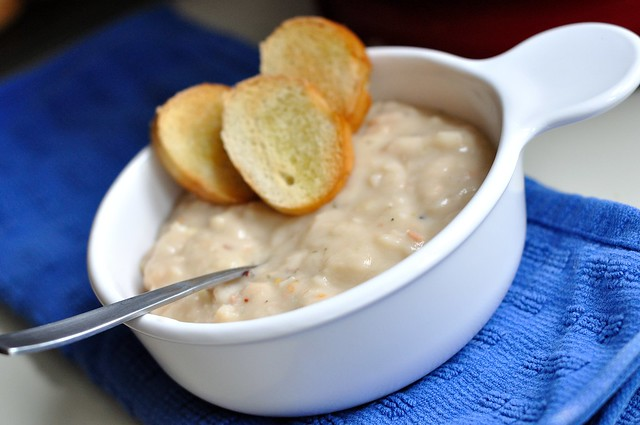 White Bean and Garlic Dip