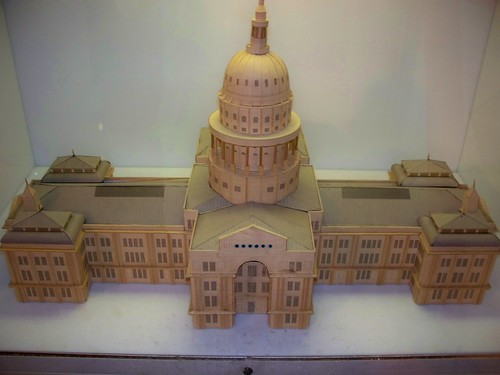 Miniature Texas Capitol building by abbamouse.