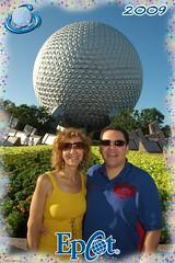 EPCOT Center - Disneys photo-pass picture (lilimachadohistoriadora) Tags: usa orlando florida disney disneyworld eua epcotcenter estadosunidos lilimachado