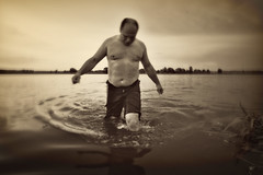 _MG_0175 (ivan.peplov) Tags: bw man motion water monochrome crazy sparrow summertime domesticus gestures   shturman
