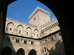 Vaucluse - Avignon - Le palais des papes - cloître Benoit XII (Vaxjo) Tags: france des paca palais provence tp avignon papes 84 vaucluse