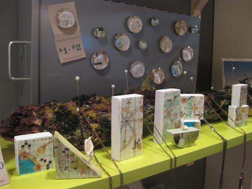 A Tea Leaf magnets at Tinymeat™