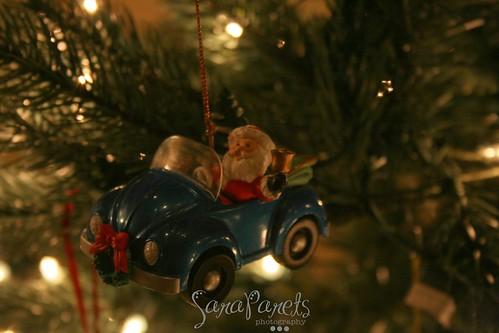 Santa drives a Bug