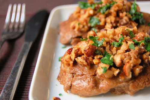 seitan with prosecco and hazelnuts