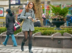 newyork sunglasses sweater boots manhattan broadway tights upperwestside hood peeps earphones shortskirt verdi darktights