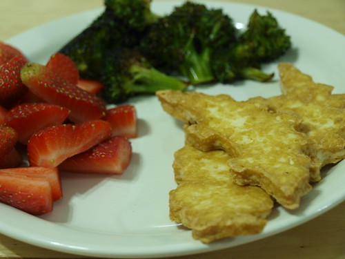 Tofu Dinos w/ Strawberries and Roasted Broccoli