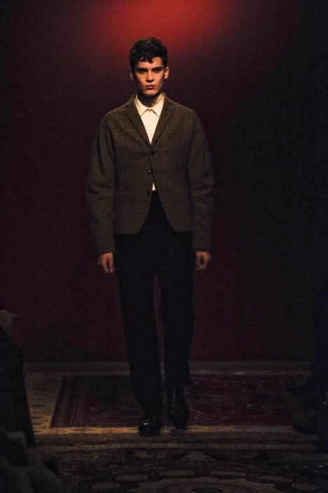 William Eustace3060_FW10_Paris_Francisco van Benthum(lizzylily@mh)