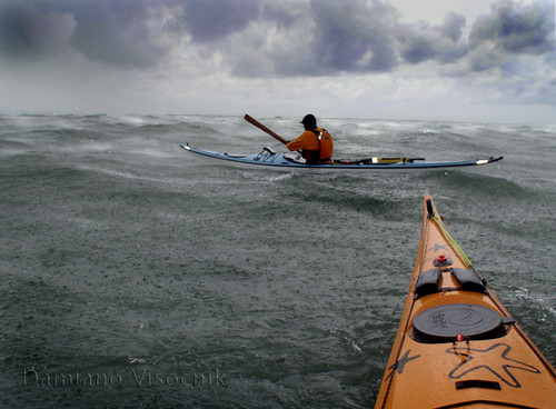 paddling in 30 knots (c)