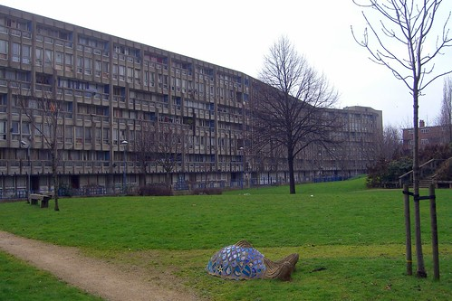 Robin Hood Gardens open space