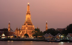 Wat Arun (A Sutanto) Tags: bangkok thai thailand temple watarun river chaophraya buddhist religion religious dusk night twilight evening hazy haze city asia southeastasia bkk monument sights attraction