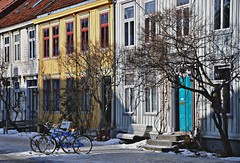 Quiet street in Trondheim (ystenes) Tags: norway photography norge photo foto norwegen 1001nights trondheim srtrndelag norvege fotografi magiccity trndelag drontheim midtnorge tronhjem