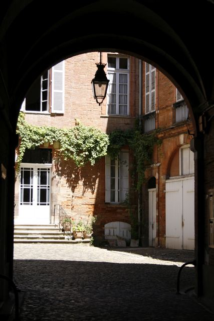 Interno, Toulouse