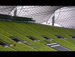 Olympic Stadium (It's Stefan) Tags: orange verde green sports lines linhas architecture germany munich mnchen bayern deutschland bavaria football athletics geometry soccer vert arena silla estadio seats perch alemania grn  naranja olympicstadium allemagne gomtrie stade germania sige lignes sillas  lineas geometria olympiastadion  lneas  asiento linien   estadioolmpico  sitzpltze gntherbehnisch      lpcurves    stefanhoechst