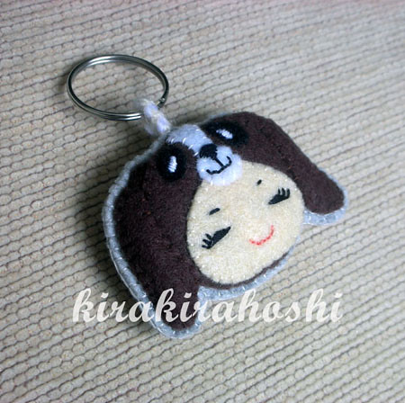 b52ab21ec8c31 cute girl with puppy dog hat felt keyring ... beagle ..basset hound