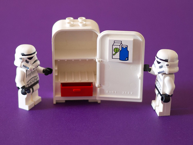 Stormtroopers check out the old Fabuland fridge