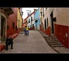 ~the kiss~ (uteart) Tags: street mexico town kiss medieval guanajuato beso calzada outdoorcafe utehagen uteart