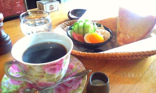 breakfast in coffeeshop