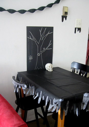 Halloween 09 - dining table