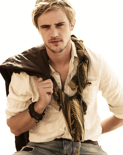 Boyd Holbrook030_We Are Replay SS 09(mh)