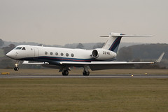 ZS-AOL - 634 - Private - Gulfstream V - Luton - 091111 - Steven Gray - IMG_4460