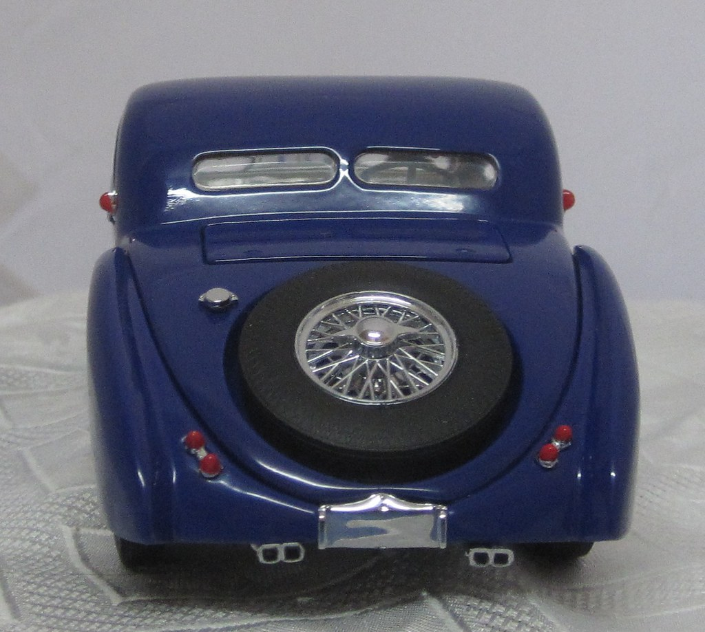 1936 Bugatti 57SC Atalante rear